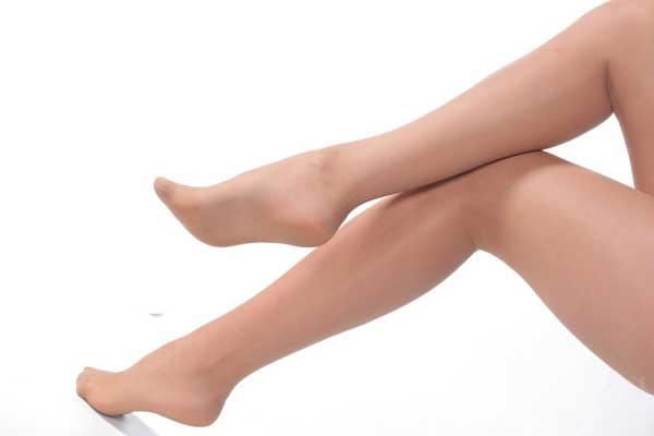 foot-feet-leg-legs-barefoot-epilation