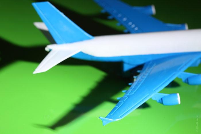 700-plane-toy-boy