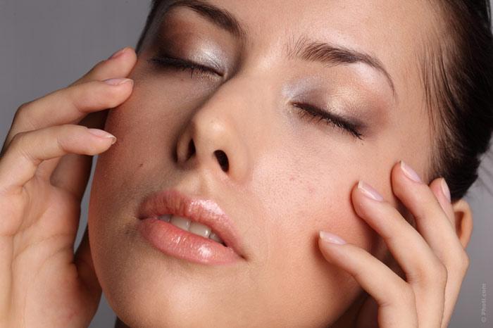 700-cream-face-beauty-woman-skin-makeup