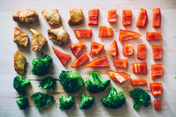 food-veggies-vegetables-tomatoes-broccoli-meat