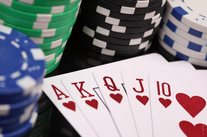 700-fun-nightlife-games-pocker-poker-cards-chips-casino