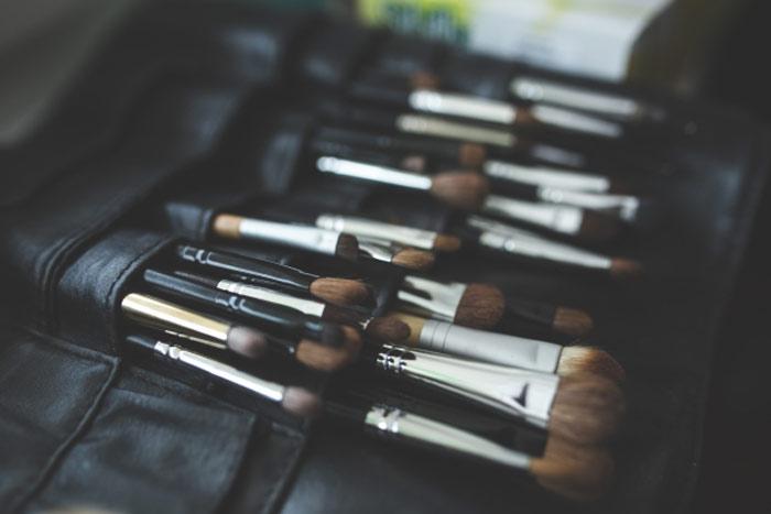 makeup-brushes-beauty-cosmetics