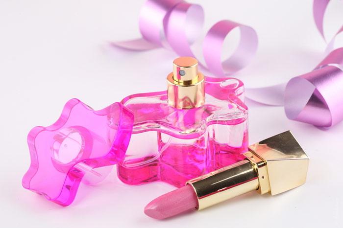 700-beauty-lipstick-fragrance-cosmetics