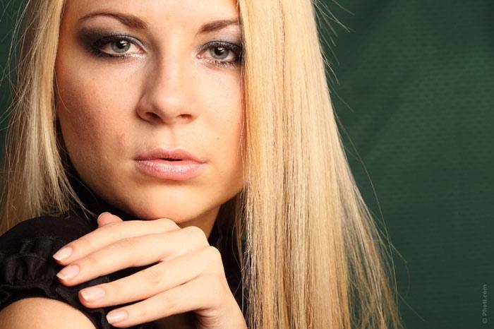 700-blonde-woman-hair-beauty-face-makeup